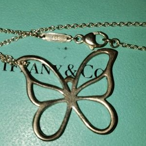 TIFFANY LARGE BUTTERFLY NECKLACE!